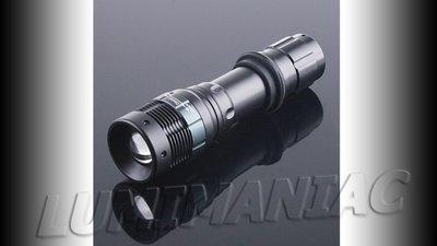 CREE Q5 800lm Zaklamp met Zoom - High - Low - Strobe Functie AAA & Li-ion 18650 Compatible